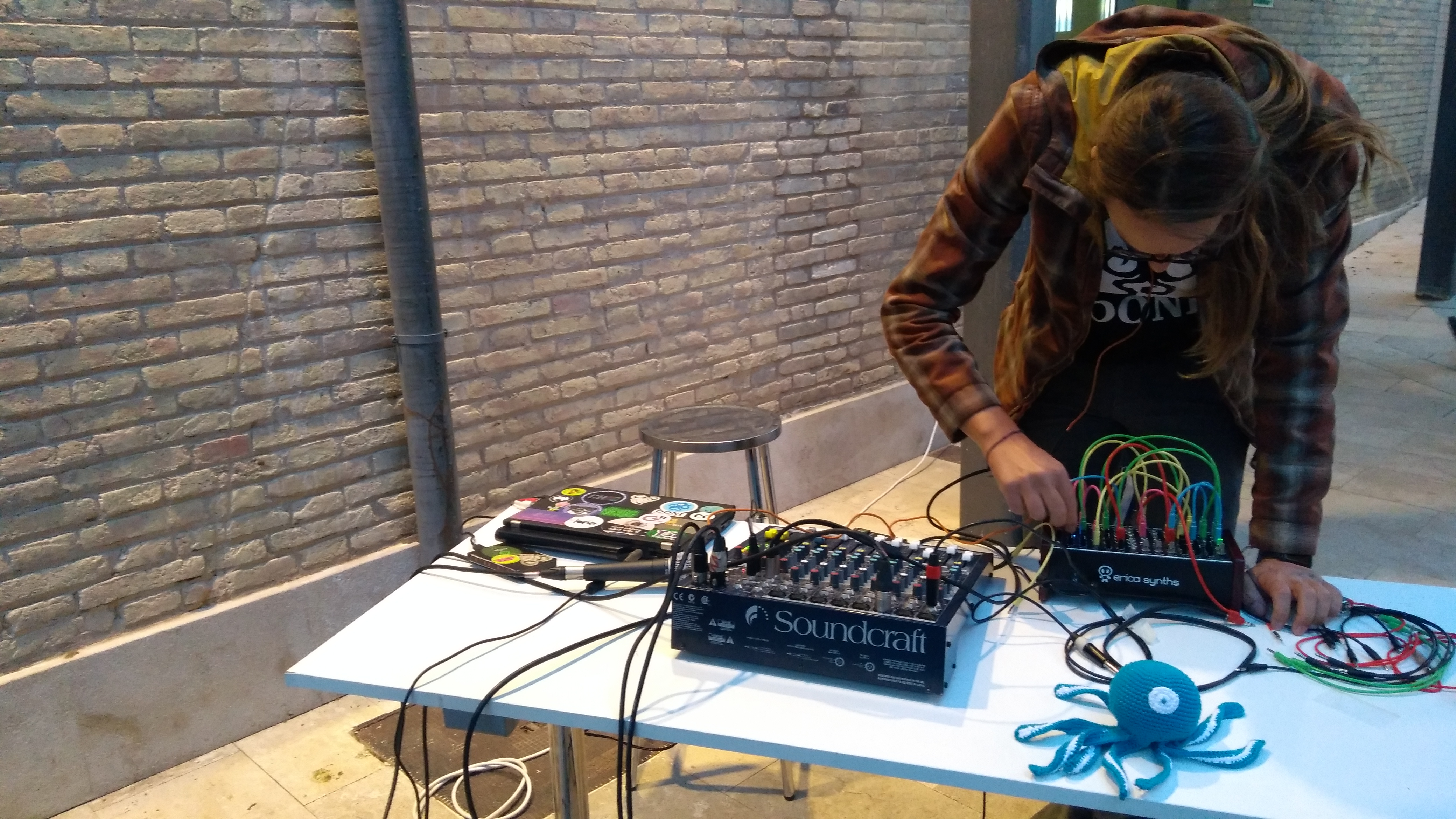 OONI's modular synthesizer performance